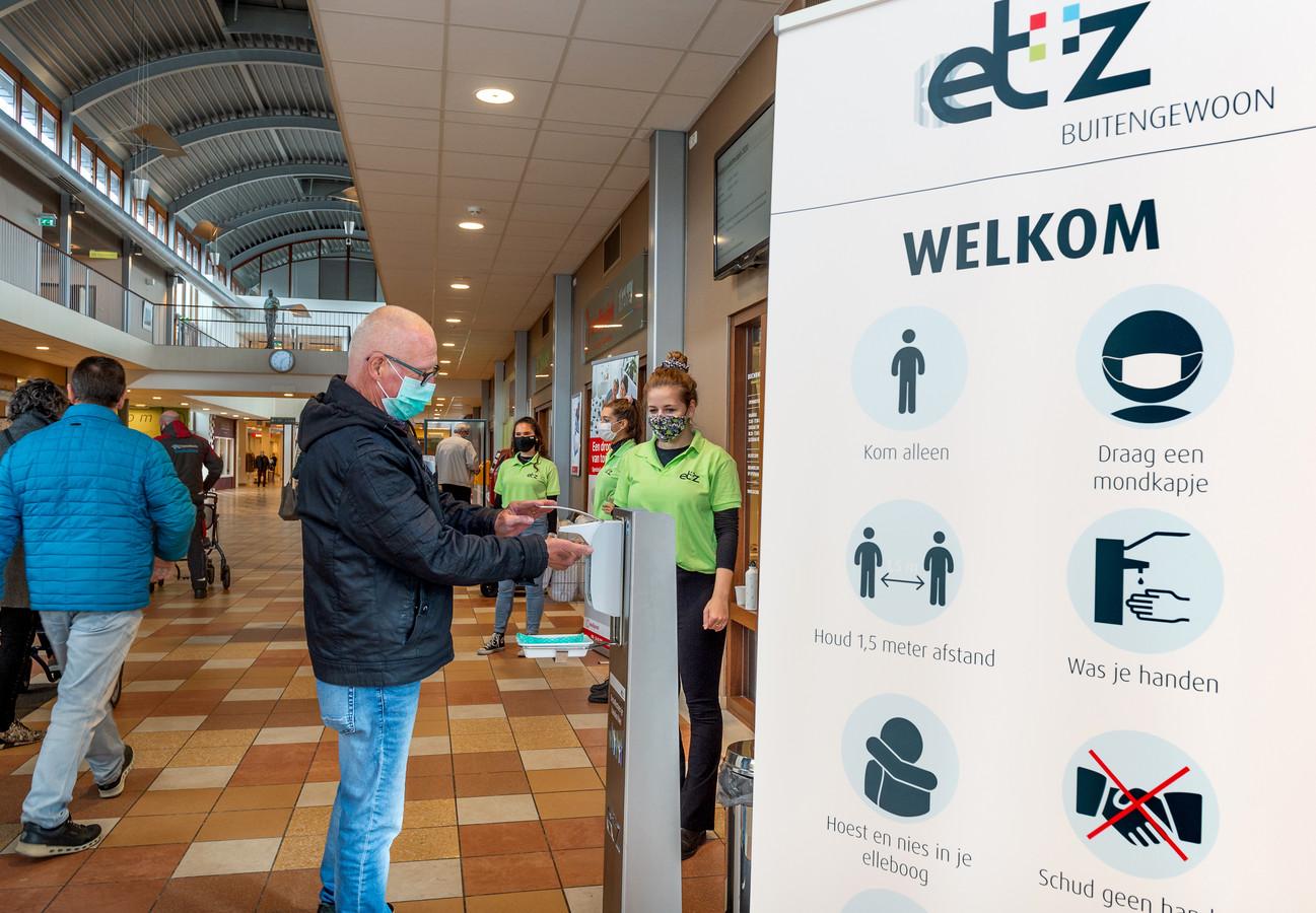 Sinds dinsdag geldt in het ETZ een mondkapjesplicht.