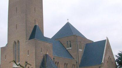 Acht camera's moeten overlast rond kerk in Bevegem aanpakken