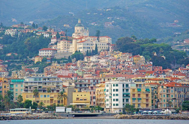 Sanremo is een badstad in Noord-Italië, in de Golf van Genua.