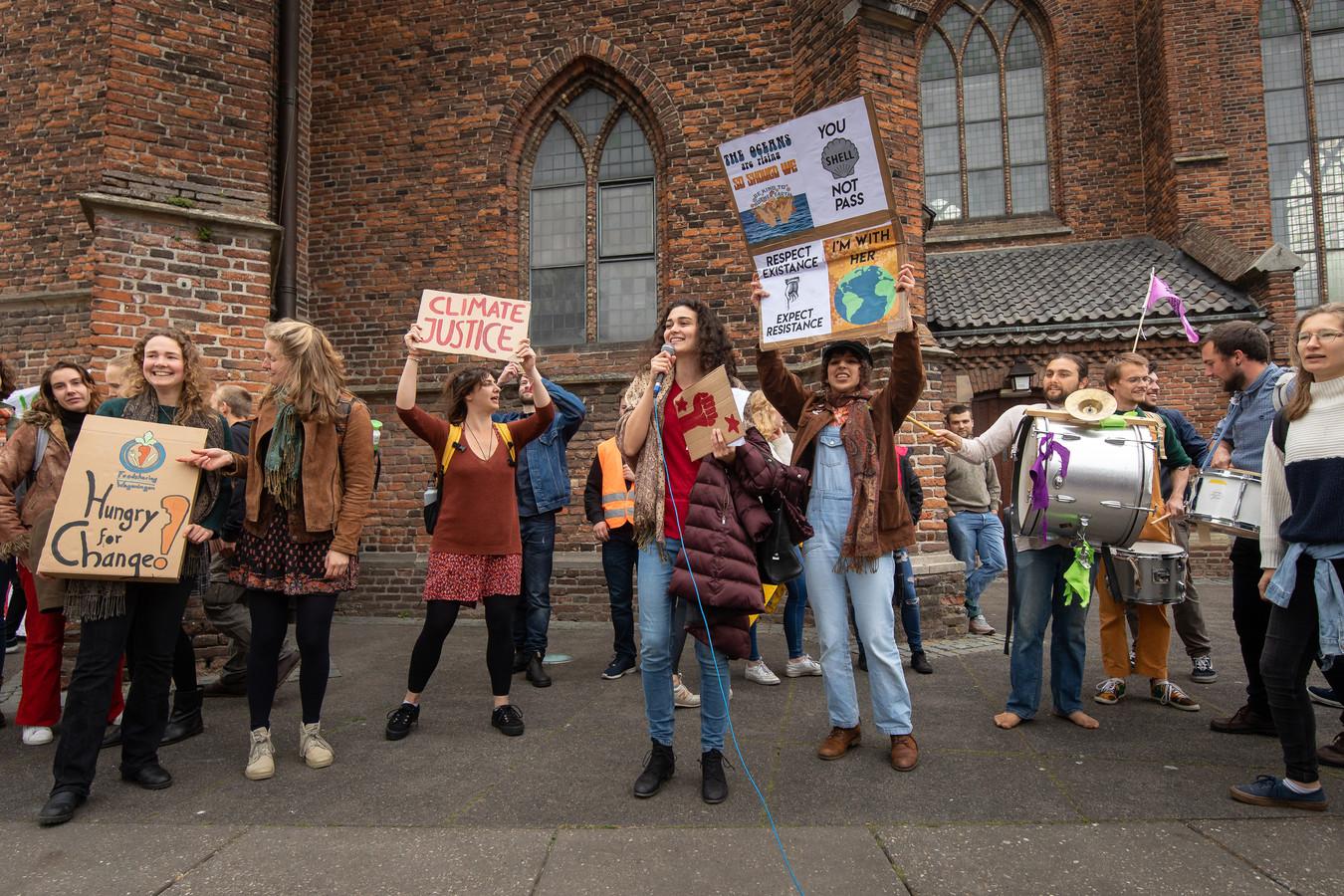 Een eerder klimaatprotest op de Wageningse markt.
