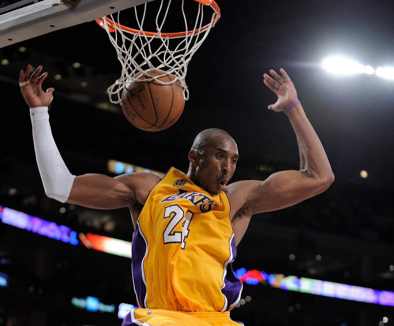 Kobe Bryant dunkt in 2008.