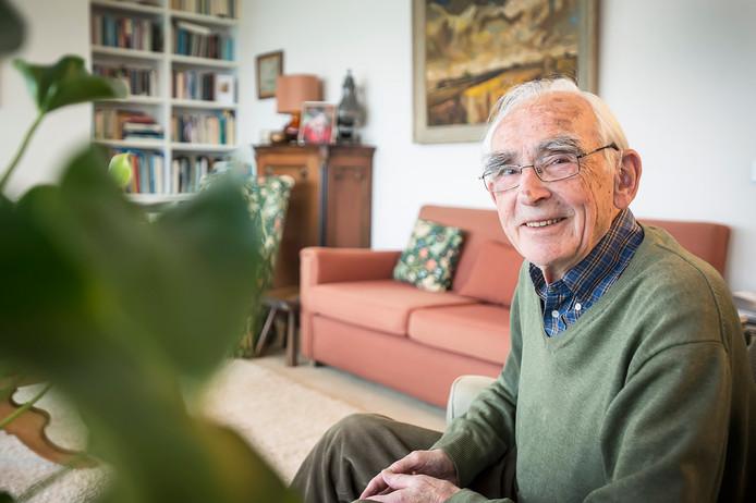 Karel Brevet uit Breda gaf ter nagedachtenis aan zijn overleden vrouw een harp cadeau aan philharmonie zuidnederland