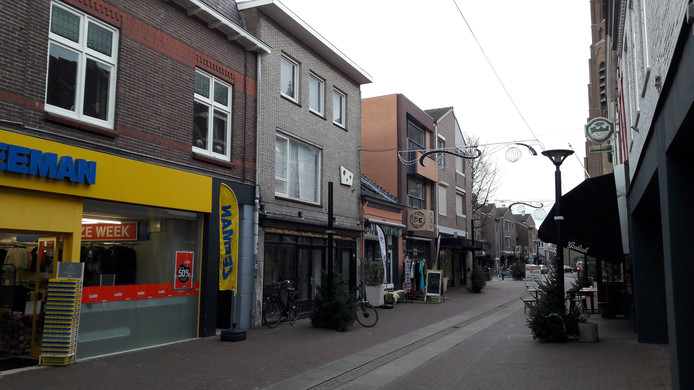 De leegstaande winkel naast Zeeman krijgt een nieuwe gevel en huurder.