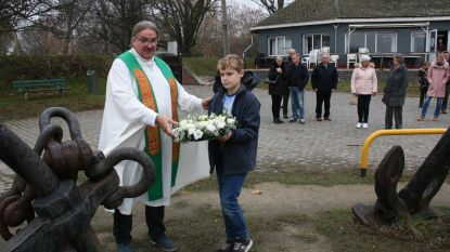 Clubhuis YCS doet even dienst als kerk om overleden leden te herdenken