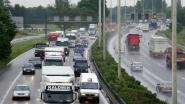 Zware avondspits verwacht op E313 na ongeval met vrachtwagens in Wommelgem