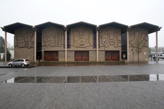 De SintPetrus' Bandenkerk in Son en Breugel wordt zeker geen gemeentelijk monument.
