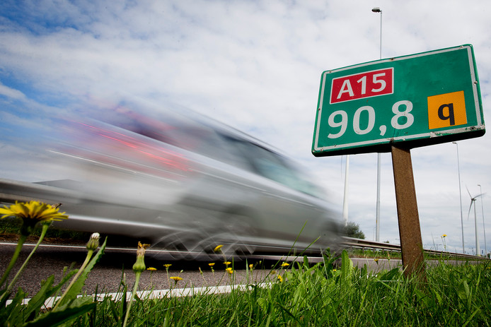 Het aantal verkeersdoden op de Nederlandse wegen nam afgelopen jaar flink toe: 678 mensen kwamen om het leven in het verkeer, 65 meer dan in 2017.