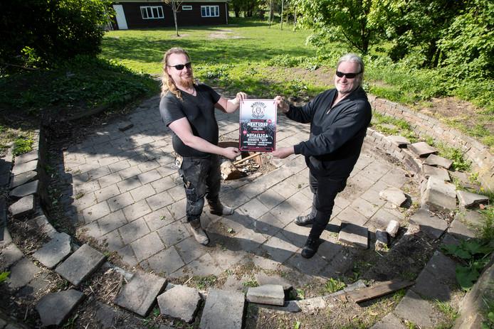 Ruud Gerritsen en Bart Schep(links), organisatoren van Warnsveld Open Air. Nieuw festival, op 8 en 9 juni op terrein van scouting Zona.