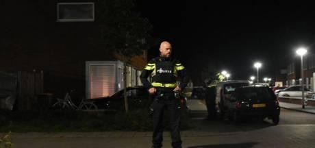 Politie zoekt drie auto's na beschieting in Steenwijk