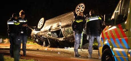 Man (20) uit Nuland vliegt uit bocht van oprit A59 bij Rosmalen: zwaargewond naar het ziekenhuis