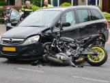 Motorrijder zwaargewond bij botsing met auto in Breda