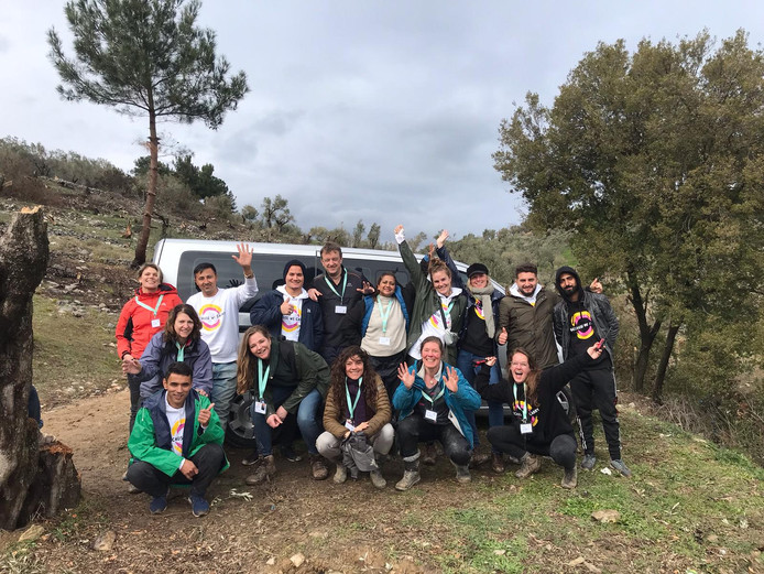 Vrijwilligers van Because we Carry op Lesbos