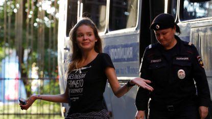 Pussy Riot-activisten die WK-finale verstoorden, plots vrijgelaten in Rusland