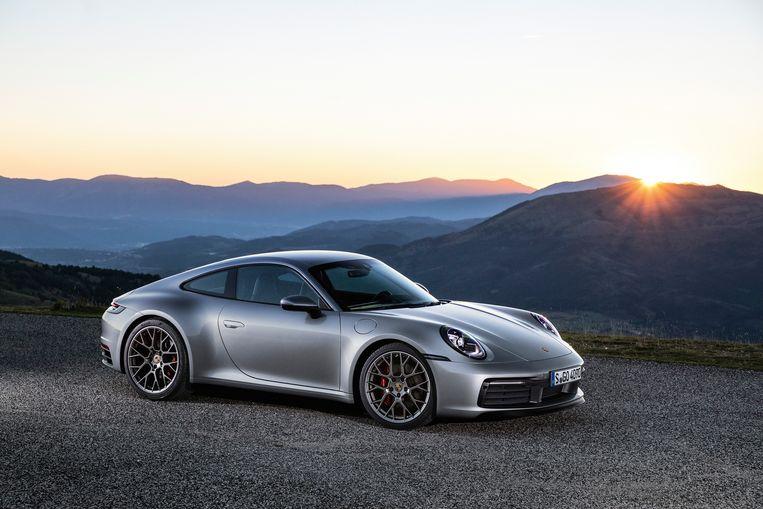 De Porsche werd een drietal uren later teruggevonden in een weiland, dichtbij Meulenberg en dus niet ver van de woonplaats van beklaagde.