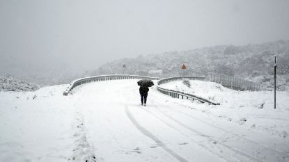 Ook Griekenland geteisterd door zwaar winterweer: sneeuwstorm eist dode en twee vermisten