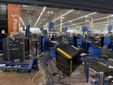 Les tensions augmentent, Walmart retire les armes de ses rayons