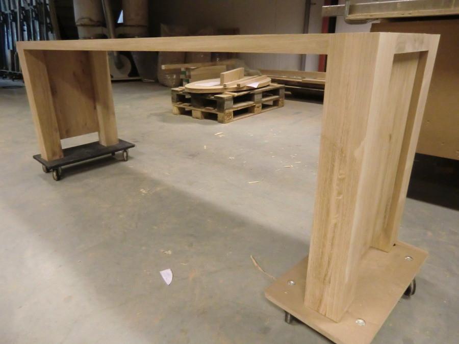 De bouw vordert. Het begint al op een heus meubel te lijken.