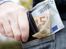 Zakkenrolster wordt jaar na diefstal portemonnee aangehouden