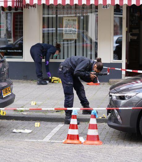 Eethuis in Rotterdam-Kralingen beschoten: zeven kogelgaten in voordeur