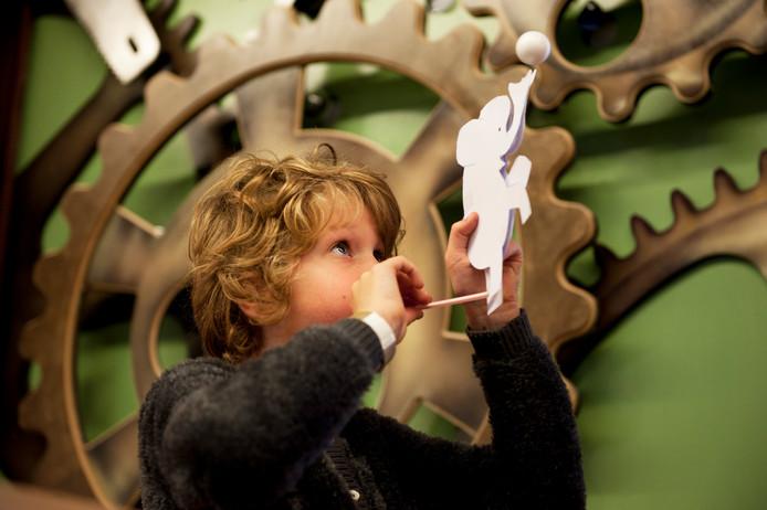In de Ontdekfabriek op Strijp-S in Eindhoven kunnen kinderen alle kanten op.