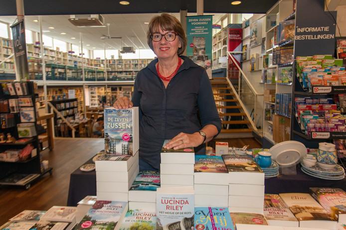 Manda Heddema keert terug in het boekenpanel van De Wereld Draait Door.