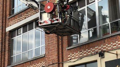 Keukenbrand op derde verdieping van appartementsgebouw, bewoners geëvacueerd