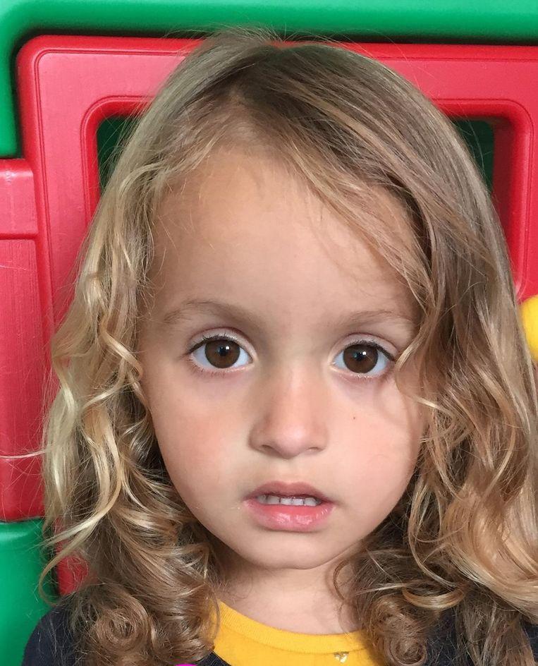 Sara (3).