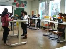 """Leerlingen van Paalbos staan vaker recht in de les: """"Meer beweging, meer concentratie en meer motivatie"""""""