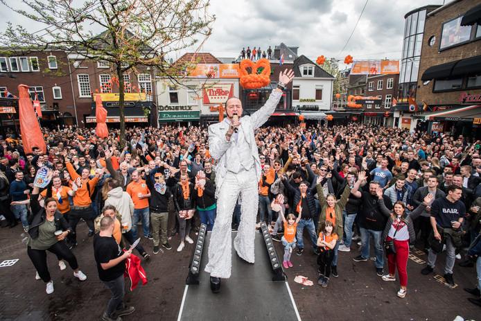 Ronnie Ruysdael vorig jaar op de Korenmarkt in Arnhem. Foto: Rolf Hensel.