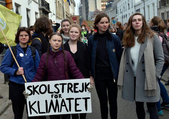 Aan de kop van de betoging wandelden het Zweedse klimaatmeisje Greta Thunberg en Kyra Gantois en Anuna De Wever van Youth for Climate.