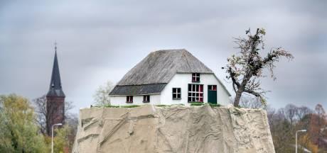 Monument in Lent voor de boer die van wijken niet wil weten