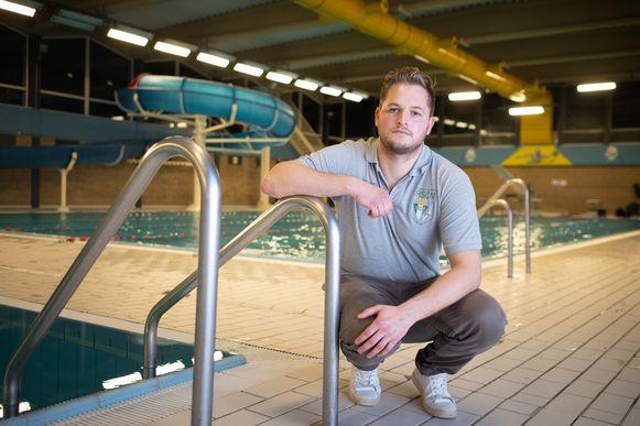 William Wittevrongel in het Stedelijk Zwembad Geerdegemvaart waar hij afgelopen weekend tijdens een waterpolowedstrijd meermaals in het gezicht werd geslagen