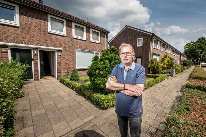 Harrie te Wierik zet zich namens bewonerscomité ZieBeZwa in om de sloop van 49 woningen op het Zwarteland tegen te houden. Woensdagavond hield hij een pleidooi voor de raad.