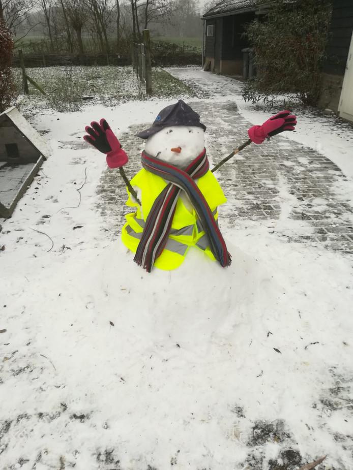 'Wij sneeuwpoppen eisen meer dagen onder 0 graden!!'  Groetjes Anne 10 jaar en Imke 8 jaar uit Spankeren