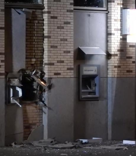 Plofkraak op Rabobank Uden: 8 appartementen in holst van de nacht ontruimd