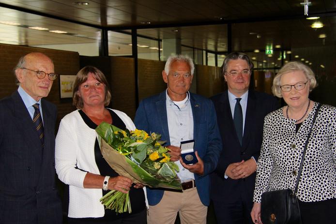 Frank Houben, Riky van den Hout, Frank van den Hout, Wim van de Donk en Hanja Maij-Weggen
