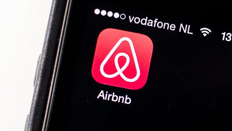 Amsterdam zou moeten zorgen dat de regels voor iedereen gelden, zegt Airbnb. Beeld anp