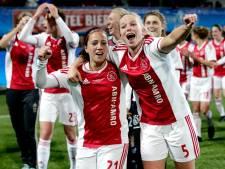 Voetbalsters Ajax krijgen cao