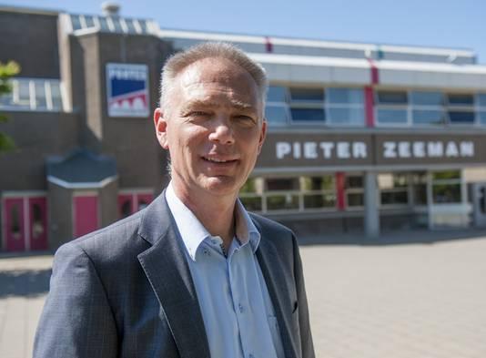 Rector Peter van der Gaag van scholengemeenschap Pontes Pieter Zeeman in Zierikzee
