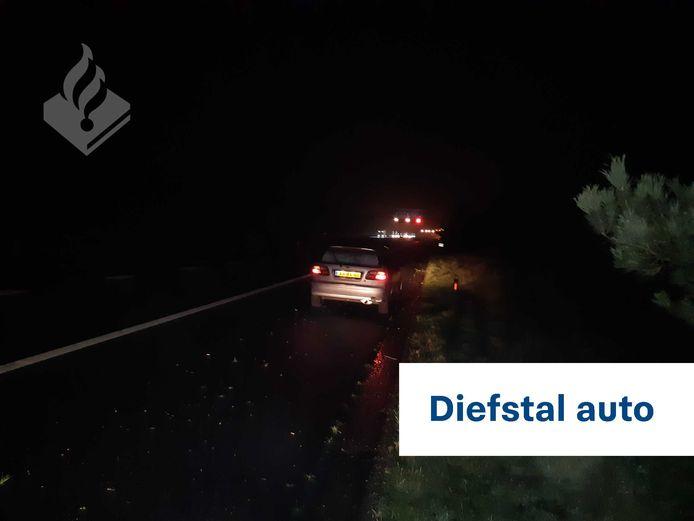 De politie heeft op de A12 een autodief uit Rheden aangehouden. De man stapte in een voertuig met draaiende motor bij een tankstation aan de President Kennedylaan in Velp.