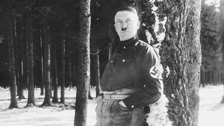 Hitler in voorjaar 1927. De foto, gemaakt door Heinrich Hoffmann, is nooit door de publiciteitsafdeling van de NSDAP vrijgegeven. Beeld Bayerische Staatsbibliotheek