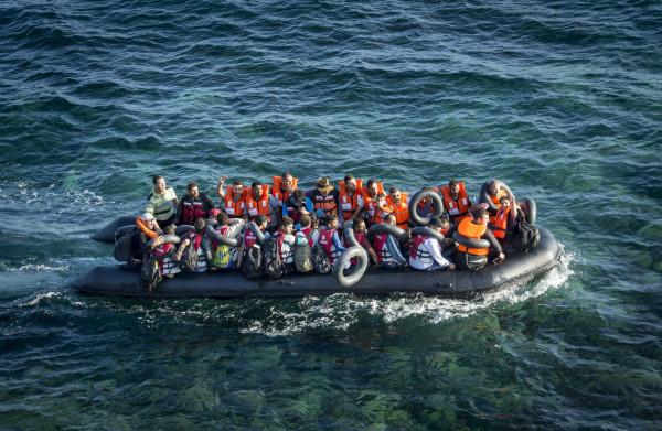 **EU-president Tusk: breng op zee opgepikte migranten naar veilige zones buiten de EU**