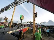 WK Paalklimmen in Wijbosch: snel, heroisch of met 'zweet in de naad'