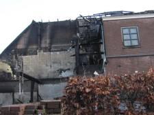 Arbeiders in onlangs uitgebrande pand Velddriel woonden daar illegaal