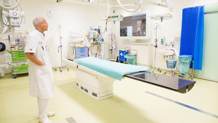 Traumakamer met de nieuwste snufjes: een verrijdbare CT-scan en een scherm voor alle patiëntinformatie Beeld Elmer van der Marel