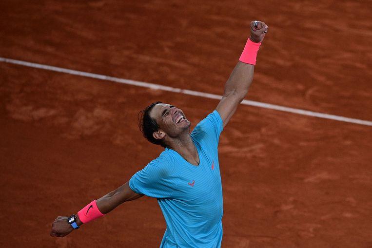 Rafael Nadal viert zijn 13de Roland Garros-zege. Beeld AFP