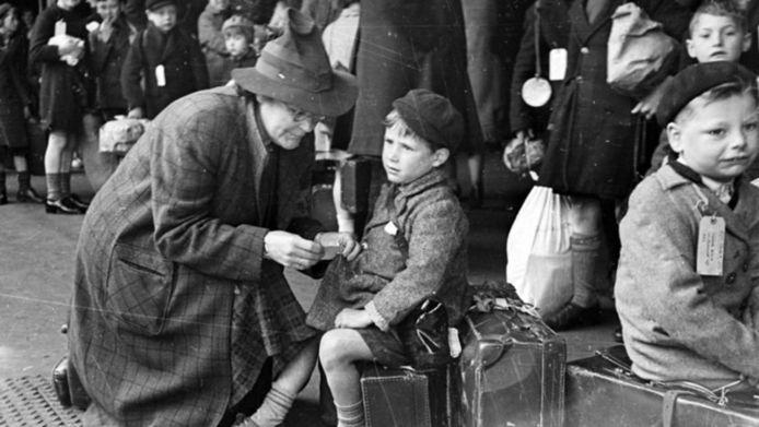 Het boek Sara, het meisje dat op transport ging is het verhaal over één van de 10.000 Joodse kinderen die door de in Alkmaar geboren Truus Wijsmuller werd gered.