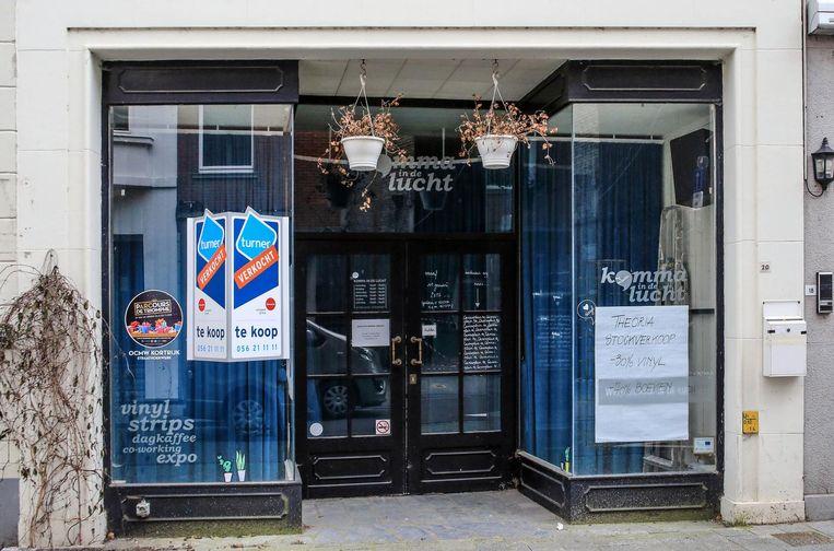 De nieuwe zaak komt in het pand waar voorheen 'Komma in de Lucht' gevestigd was, in de Onze-Lieve-Vrouwestraat.