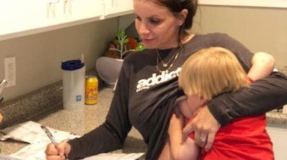 """""""Ze noemen me een freak"""": moeder geeft zoontje van 2 jaar nog altijd borstvoeding en niet iedereen kan daarmee om"""