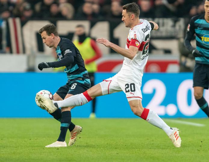 Christian Gentner in actie tijdens het duel met Hertha BSC.